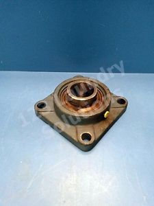 Square Flanged Cast Housing Mounted peer 207 100203 Bearing UC 207-22
