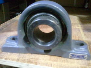 "FAFNIR 1 5/8"" BORE PILLOW BLOCK BEARING – LAK 1 5/8"" – ECCENTRIC LOCKING COLLAR"