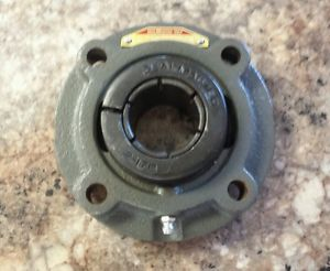**  SEALMASTER   SFC-23TC   PILOTED FLANGE BEARING   1-7/16""