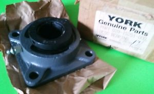 "YORK / SEALMASTER 23TC FLANGE BEARING 4 BOLT WITH COLLAR 1-7/16"" ID BORE * NOS"