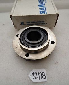 Sealmaster medium duty piloted flange MFC-32 (Inv.32178)