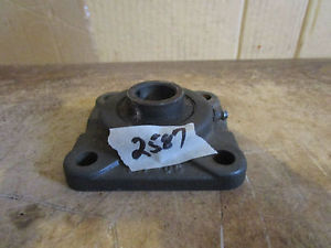 MC GILL F4-05 Flanged Bearing 15/16'' SHAFT HOLE